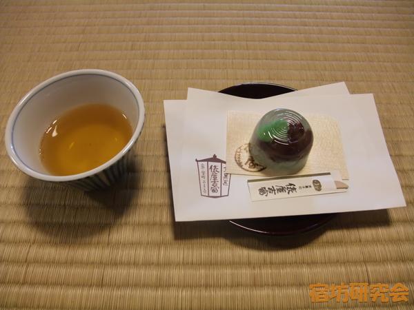 相国寺別院の茶礼でお茶と和菓子