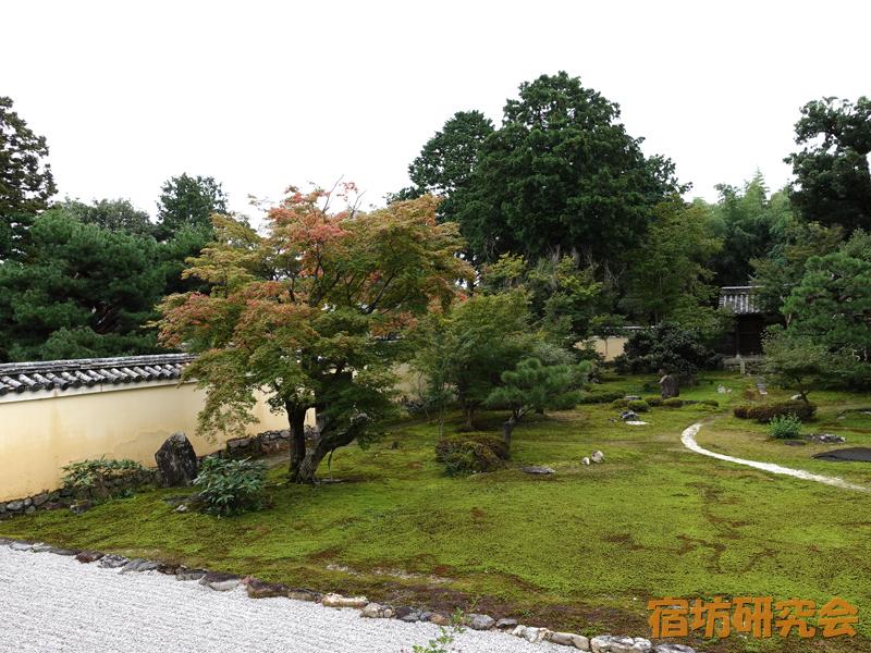 鹿王院の日本庭園