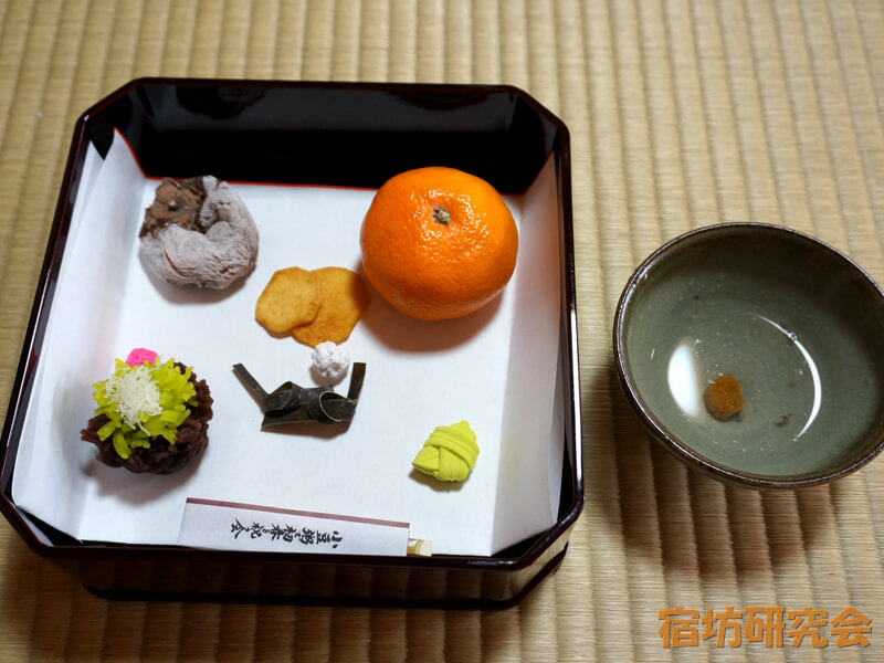 妙心寺東林院の福茶と祝菓子