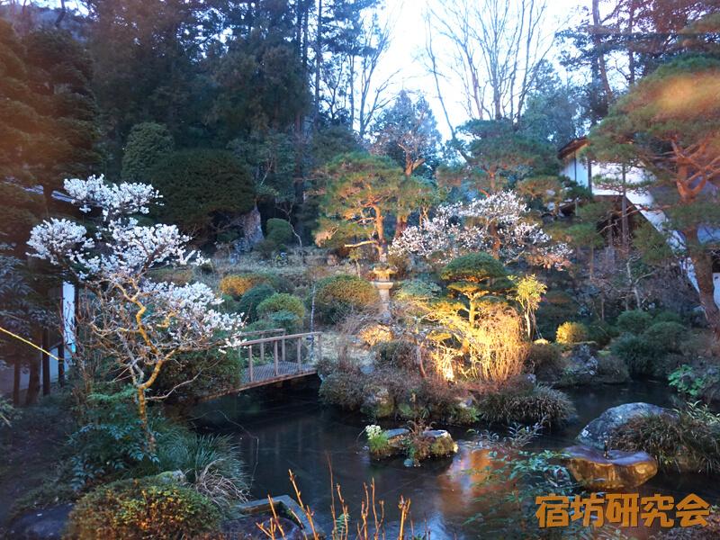 覚林坊の日本庭園
