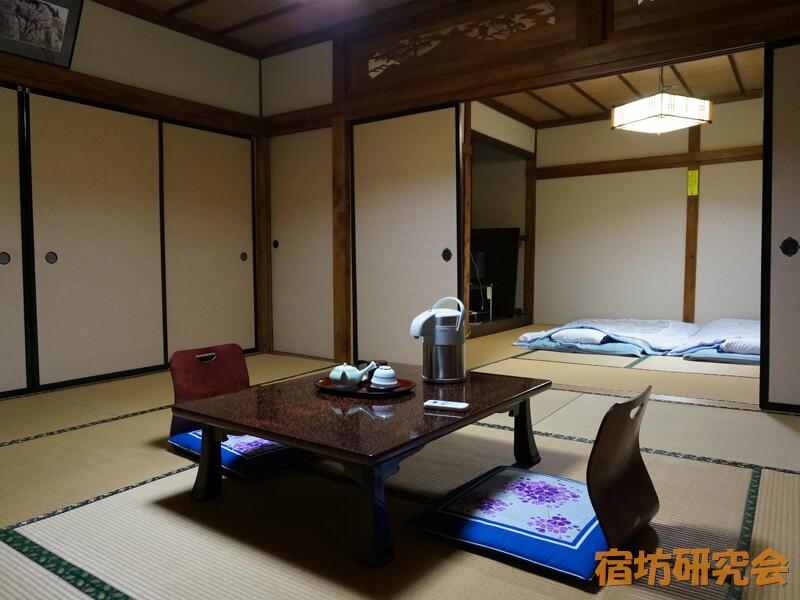 山本坊の客室