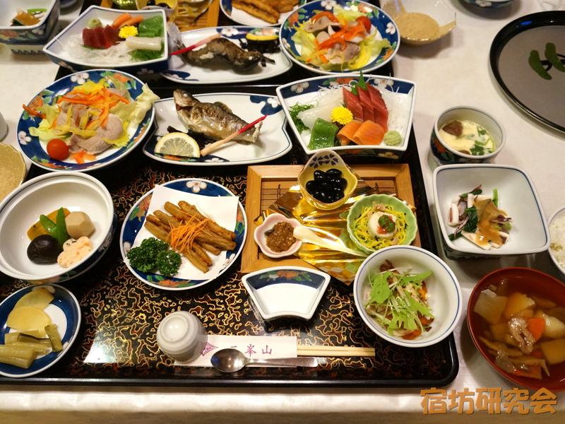 三峯神社興雲閣の夕食