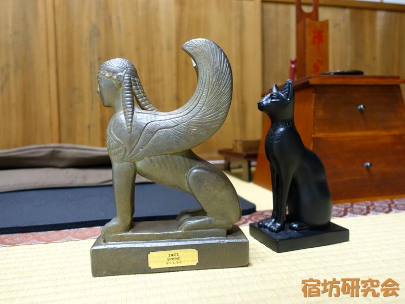 天正寺のスフィンクスと猫