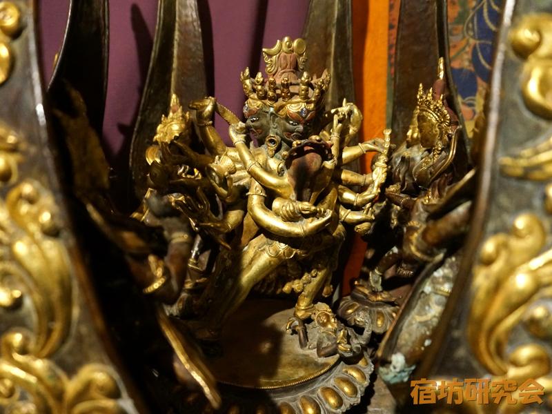 仏像BAR TERAの蓮マンダラ