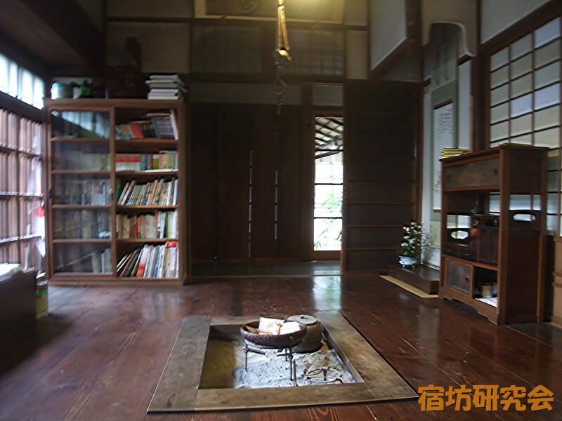 普門軒の囲炉裏の部屋