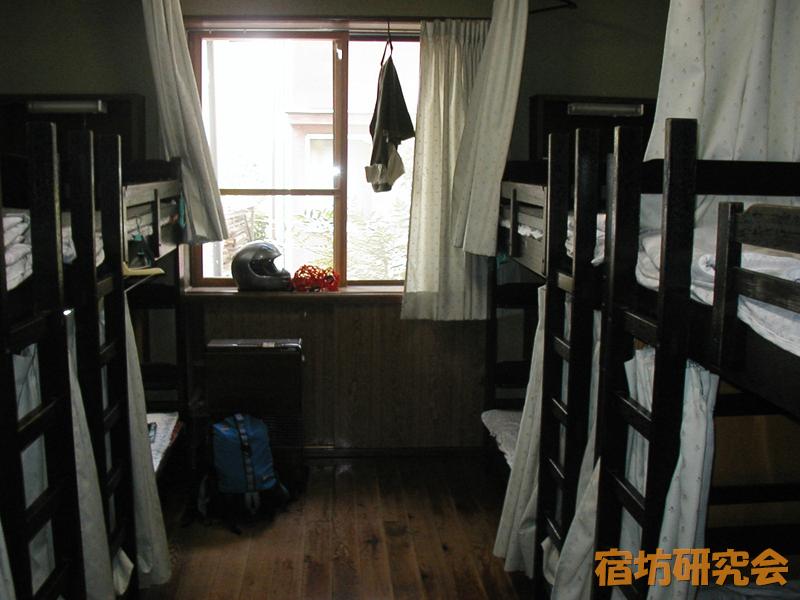 毛越寺のユースホステル客室