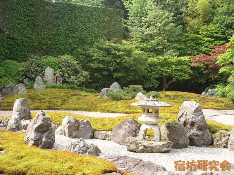 総持院の庭園