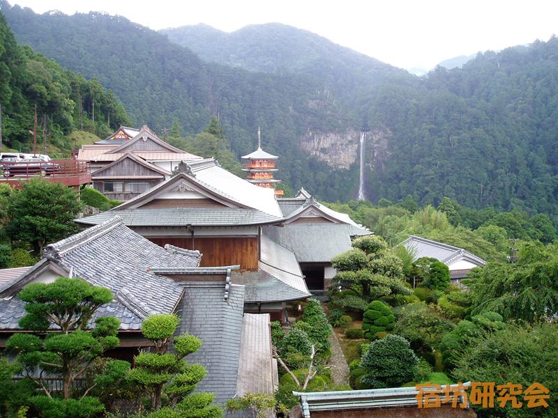 青岸渡寺尊勝院(和歌山県 熊野)