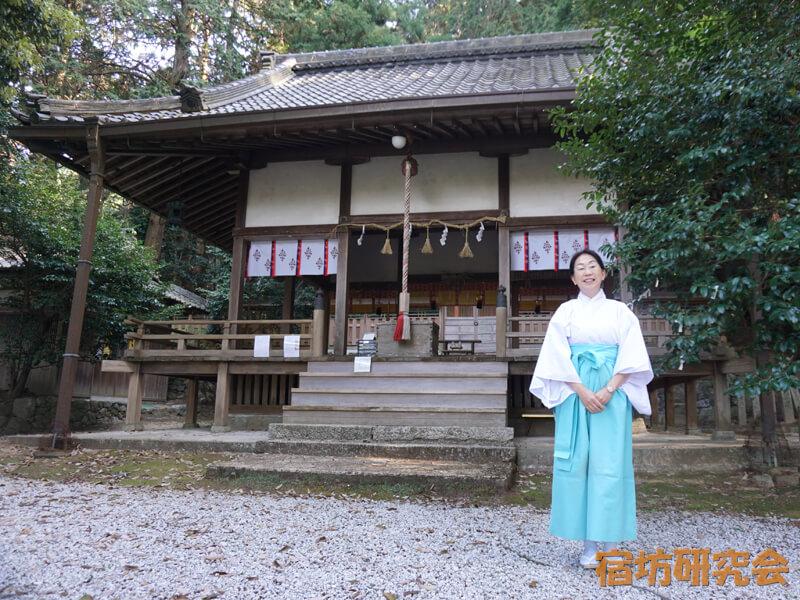 葛木御歳神社の東川優子宮司