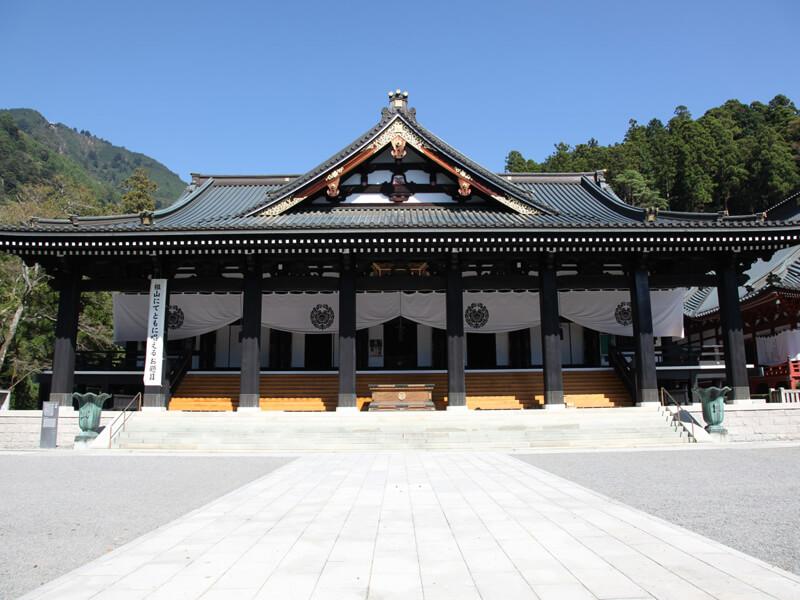 身延山久遠寺の大本堂
