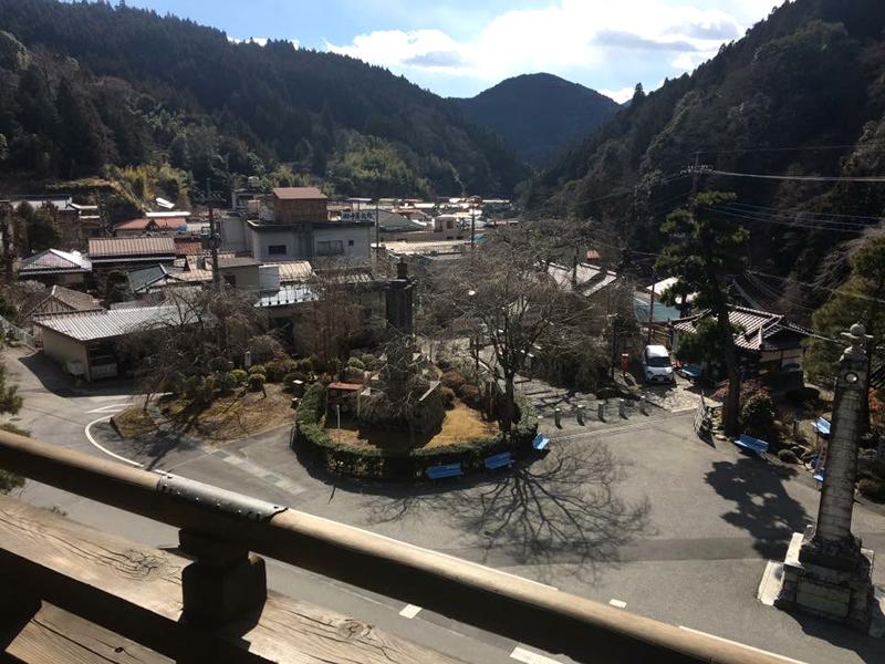 身延山久遠寺の三門楼上からの眺め