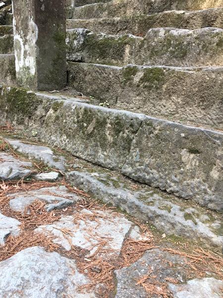 菩提梯の最初の一段