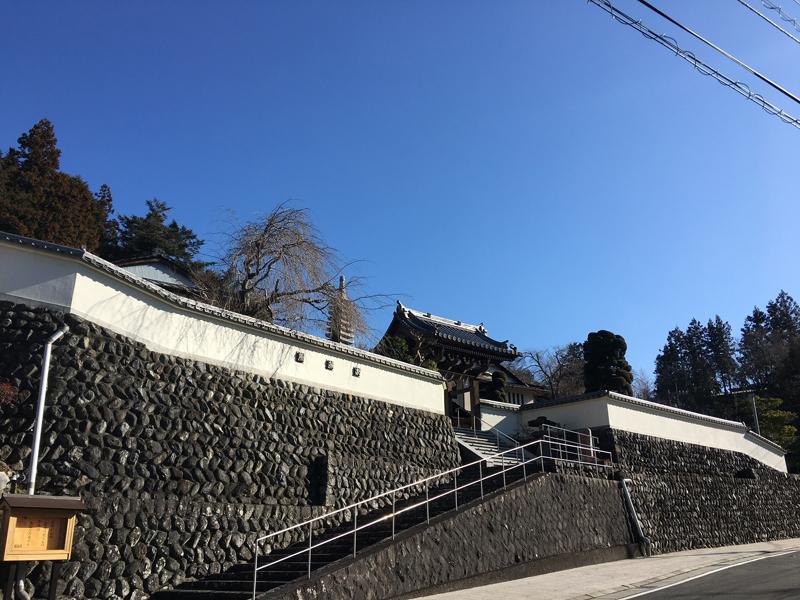 端場坊の白壁