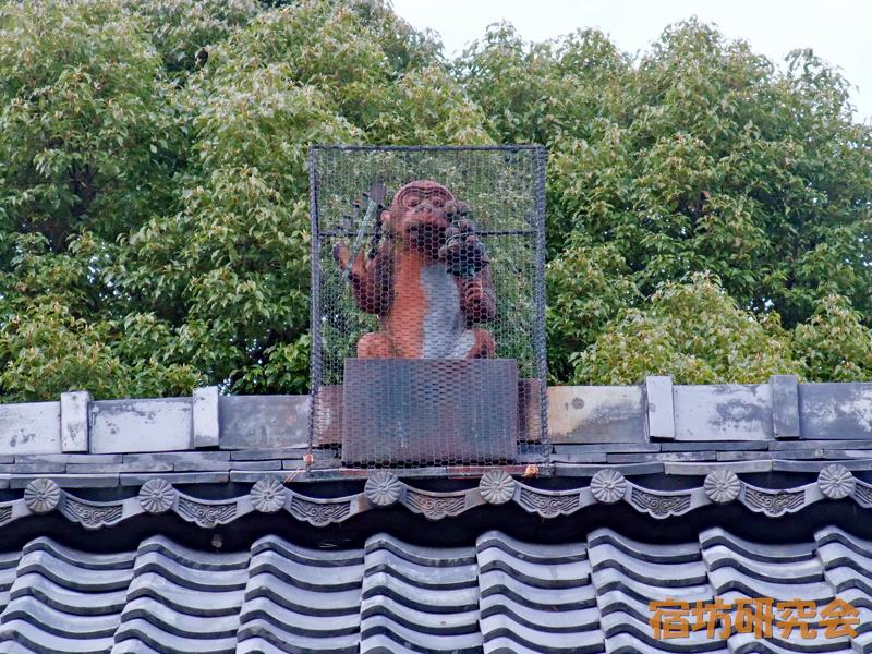 赤山禅院『屋根の上の猿』