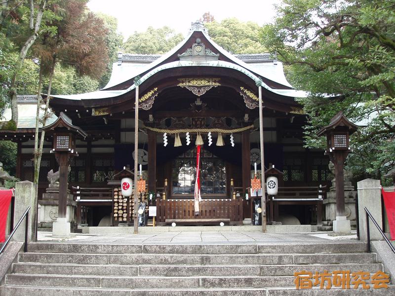 岡崎神社の拝殿