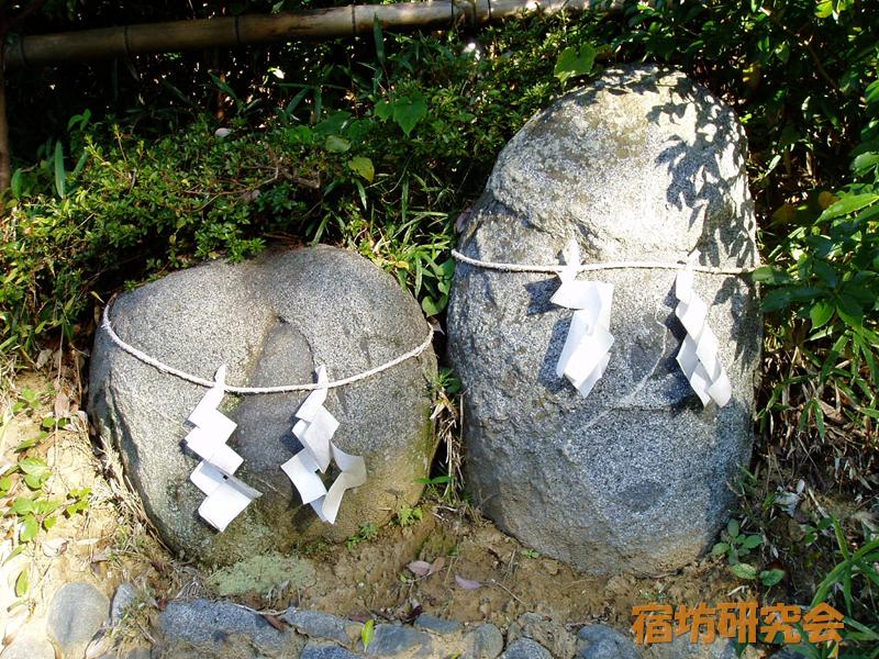 飛鳥坐神社の陰陽石