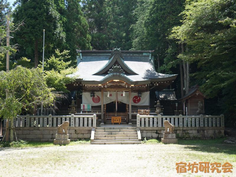湯泉神社の拝殿