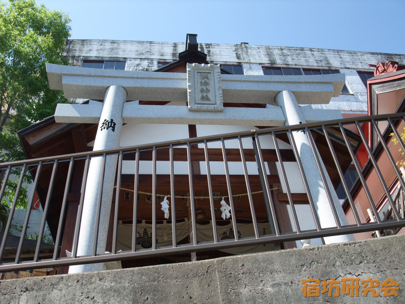 澳津神社の拝殿