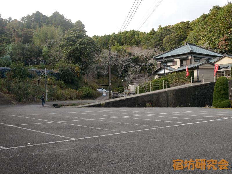 真野寺の駐車場